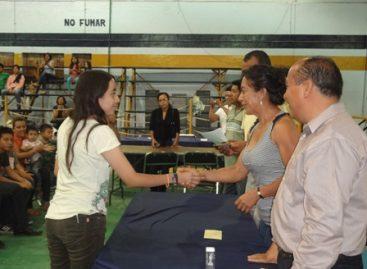 Premian a los ganadores del Torneo Absoluto de Ajedrez, en Oaxaca