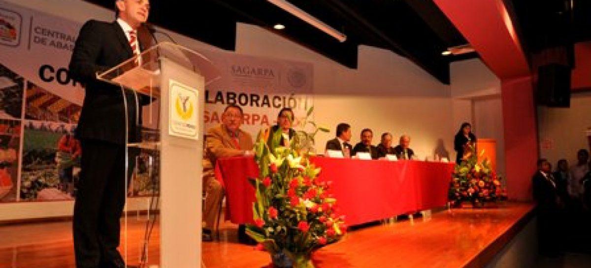 Ni un paso atrás en política social y derecho a la alimentación en el DF: Mancera Espinosa