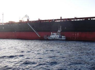 La Armada de México auxilia a 20 personas en la mar, en Ensenada, Baja California
