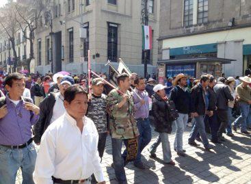 Acciona Sección 22 en Oaxaca y DF contra Reforma Laboral Educativa