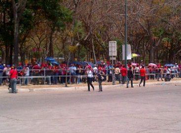 Por quinto día el pueblo le rinde honores al Comandante Chávez