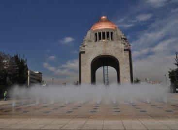 Lavan cisterna y renuevan iluminación de fuentes secas de Plaza de la República
