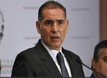 Gabino Cué presenta a legisladores de izquierda en Palacio Legislativo Federal iniciativas a la Ley General de Educación y rechaza ser presionado por la Sección 22 del SNTE