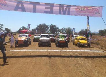 Corren tercera fecha del Campeonato Corona off Road, en Cuilapan, Oaxaca