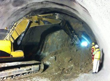 Concluyen excavación del último túnel de la Autopista Urbana Poniente, en el DF