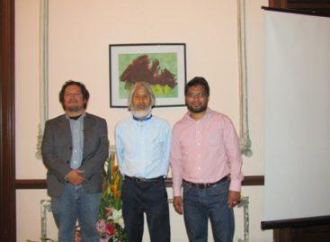 """Expone Hiroyuki Yoshida """"Niyi (Arcoíris)"""" en la Facultad de Derecho de la UABJO, en Oaxaca"""