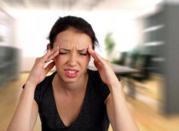 Dolores de cabeza, pueden convertirse en migraña; mujeres entre 20 y 40 años quienes más la padecen