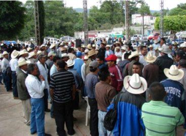 Exigen habitantes de San Juan Mixtepec renuncia de gobernador de Oaxaca
