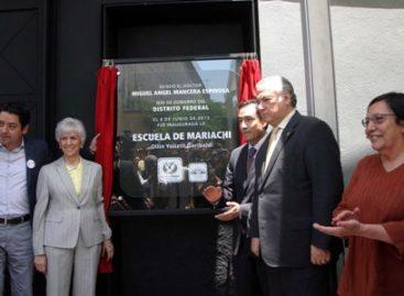 Tiene Garibaldi Escuela Profesional de Mariachi, para enseñar este género musical