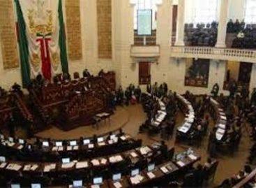 Entrega Gobierno a Asamblea Legislativa Programa General de Desarrollo del DF