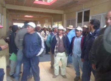 Toman habitantes de agencias de Teposcolula oficinas locales del IEEPCO; demandan recursos