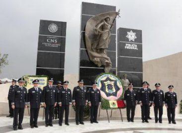 Realiza Comisión Nacional de Seguridad ceremonia a los policías federales caídos