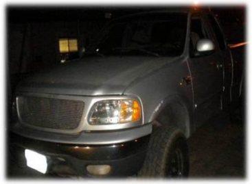 Localiza 12 paquetes de heroína ocultos en la caja de transferencia de una camioneta; un detenido