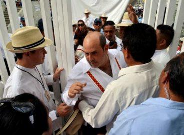 Impiden a munícipe de Oaxaca de Juárez acceso a auditorio para presenciar fiesta de la Guelaguetza