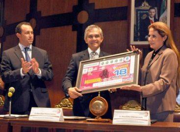 Reconoce Lotería Nacional al Maratón de la Ciudad de México con sorteo y billete alusivo