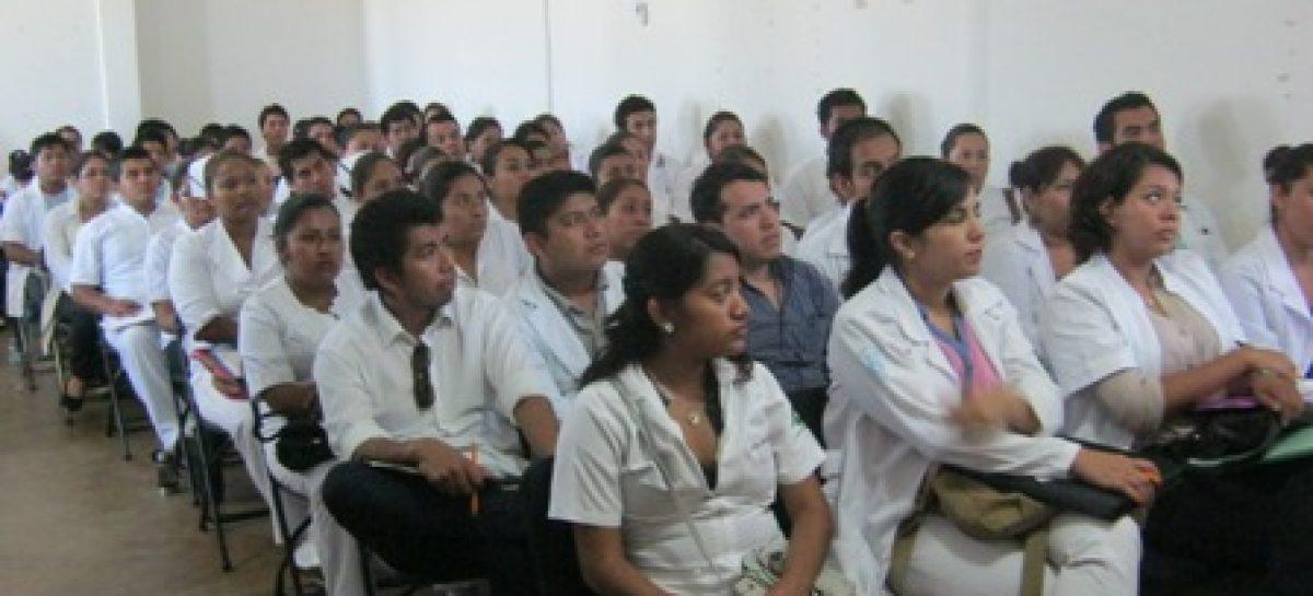 Recibe Jurisdicción Sanitaria de Puerto Escondidio, Oaxaca, nueva generación de prestadores de servicio