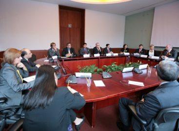 Se reúne el subsecretario para América del Norte con delegación bipartidista de legisladores de Arizona