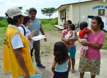 Atienden brigadas de salud a habitantes de municipios afectados por las lluvias en Oaxaca
