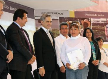 Entregan primeras tarjetas de Seguro de Desempleo a campesinos y productores agropecuarios