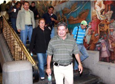 Acuerdan maestros y gobierno del DF liberar vialidades de calles y circuito del Monumento a la Revolución