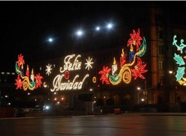 Admiran más de 150 mil personas los mosaicos luminosos en el centro de la Ciudad de México