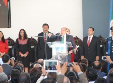 Rinde protesta Javier Villacaña como presidente municipal de Oaxaca de Juárez