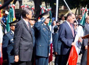 Recibe Tránsito del Estado de Oaxaca Bandera Nacional