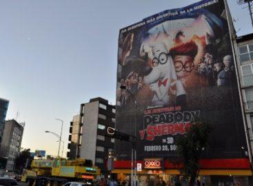 Coordina Seduvi desmonte de espectaculares en Patriotismo, en la Ciudad de México