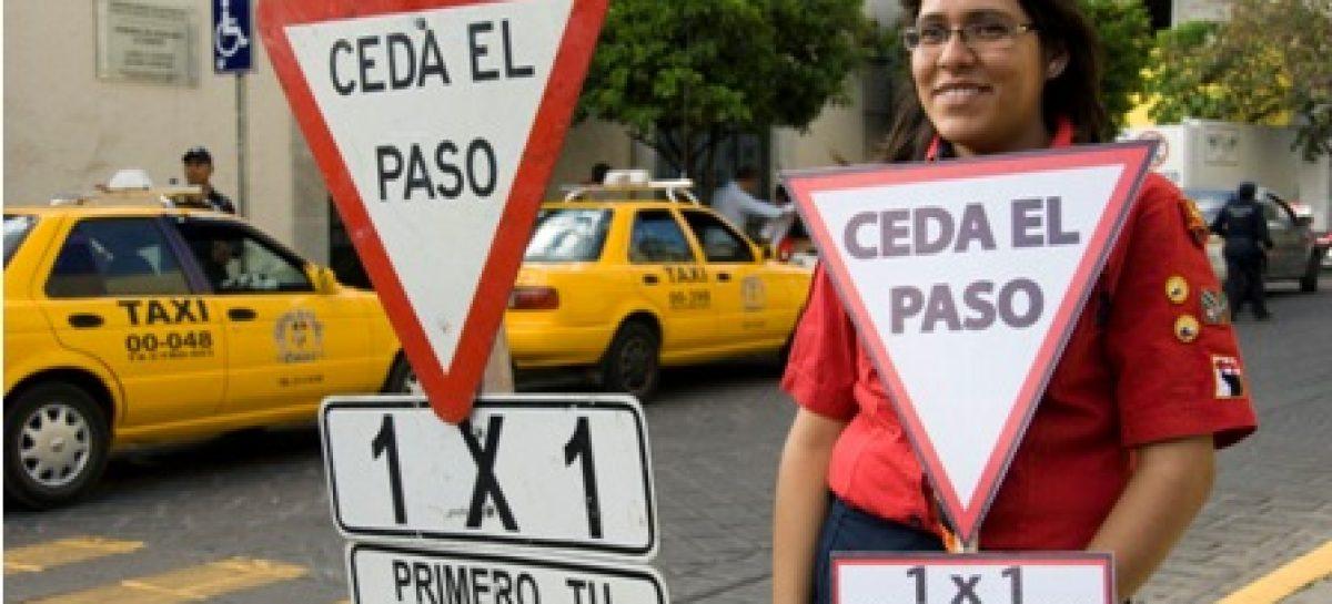"""Implementa Ayuntamiento de Oaxaca en 22 cruceros programa vehicular """"1×1 Avanzamos Todos"""""""