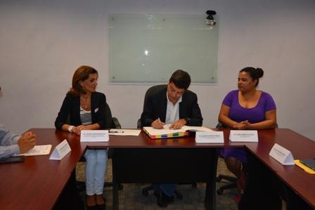 Formalizan Pemex y gobierno de Oaxaca