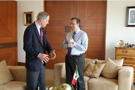 Canciller mexicano - Senador de EU