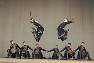 Se presentan en el teatro Macedonio Alcalá