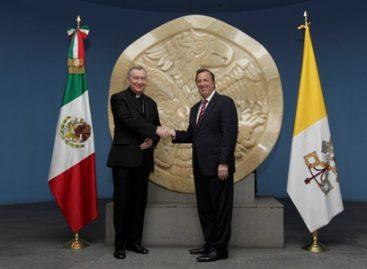 Analizan cardenal y canciller temas que integran la agenda México-Santa Sede