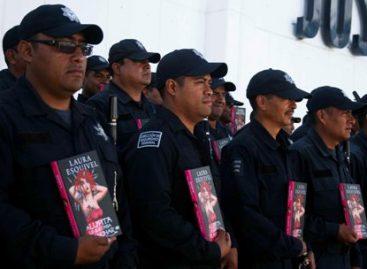 Agradece escritora Laura Esquivel acompañamiento de la Banda de Música de la Policía de Oaxaca