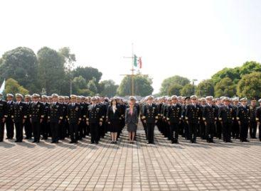 Se gradúan 278 Alumnos Colegiados del Centro de Estudios Superiores Navales, ciclo 2013-2014