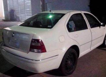 Frustra policía estatal robo de vehículo en Oaxaca de Juárez; un detenido