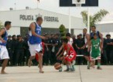 Visita selección de basquetbol de niños triquis el centro de mando de la Policía Federal