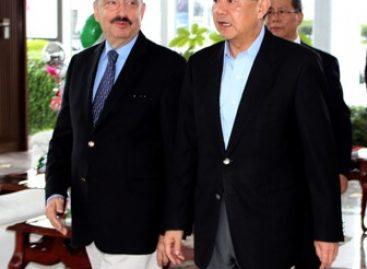 Llega a México ministro de Relaciones Exteriores de China, Wang Yi