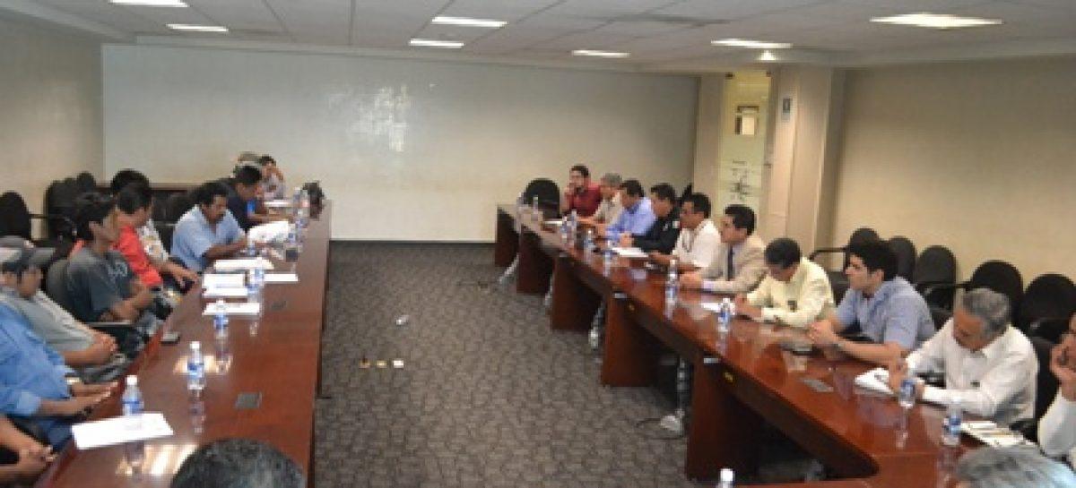 Analizan caso de límites de San Miguel del Puerto y Santa María Huatulco, en Oaxaca