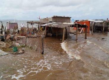 """Apoya la Sedesol a la población afectada por el huracán """"Norbert"""" en Baja California Sur"""