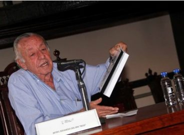 """Presenta Eduardo Humberto del Río García, el libro """"RIUS en pedacitos"""""""