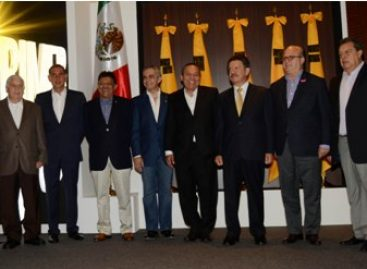 Se reúnen dirigentes perredistas con gobernadores de izquierda, previo a Primer Pleno Ordinario