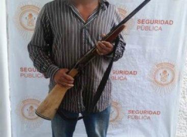 Detenidas dos personas con arma de fuego y un menor de edad con marihuana en Oaxaca