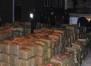 En Jalisco, asegura la Policía Federal una tonelada de marihuana oculta entre costales de carbón