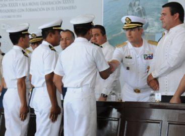 Se gradúan oficiales de la Escuela de Aviación Naval de la Secretaría de Marina-Armada de México