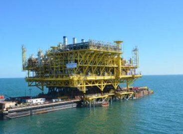 Instaló PEMEX la plataforma de compresión CA-Litoral-A en el Golfo de México