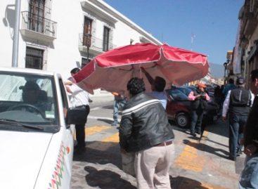 Recupera Ayuntamiento espacios de libre tránsito en calles del centro de la capital oaxaqueña