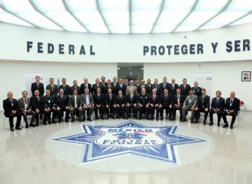 Trabaja gobierno federal en el fortalecimiento de las corporaciones policiacas: Rubido García