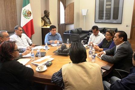 Reunión del Grupo Prensa Oaxaca y el gobernador Gabino Cúé