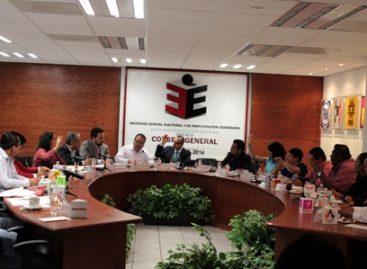 Modifica órgano electoral de Oaxaca comisiones de entrega-recepción y de lineamientos jurídicos